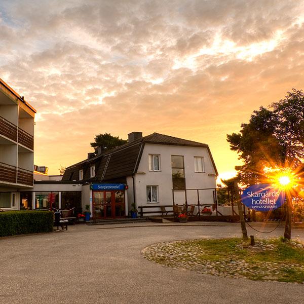 Skärgårdshotellet i soluppgång